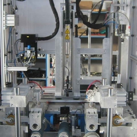 Steel bars plasma treatment and gluing cell